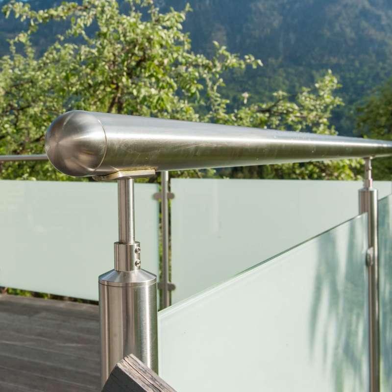 Terrassengeländer aus Edelstahl und Glas - © www.metallbau-koplenig.at