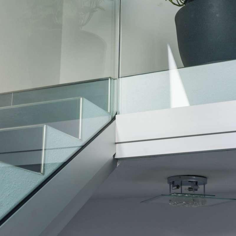 Stiegengeländer aus Glas - © www.metallbau-koplenig.at